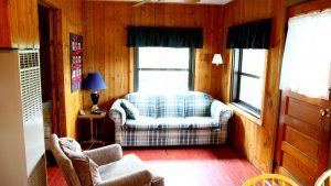 Cabin_5_Living_Room-1000x562
